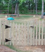 Gothic Picket Fence with Dipped Gate